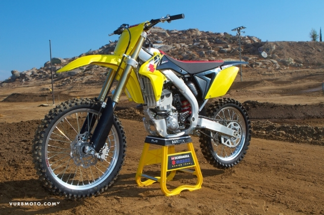 Choosing between a 125 2 stroke or 250 4 stroke motosport for Yamaha 250 four stroke