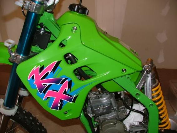 how to make your dirt bike plastic look new again motosport. Black Bedroom Furniture Sets. Home Design Ideas