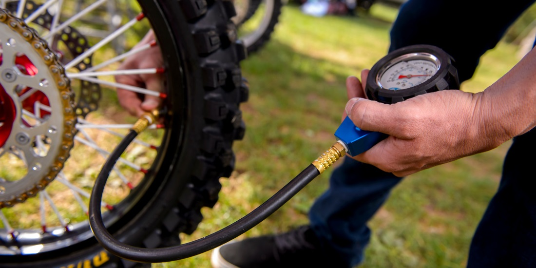 6e441bd952e How To Get Ideal Dirt Bike Tire Pressure | MotoSport
