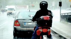 Tips to riding a motorcycle in the rain